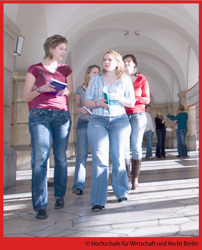 HWRBerlin_foyer_studierende